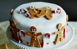 Gingerbread Men Christmas Cake